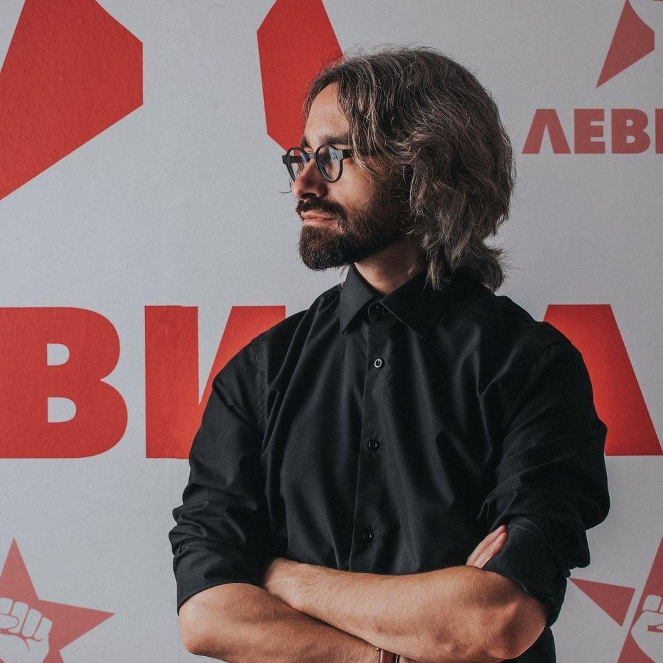 Димитар Апасиев распали со сета сила и без бардон