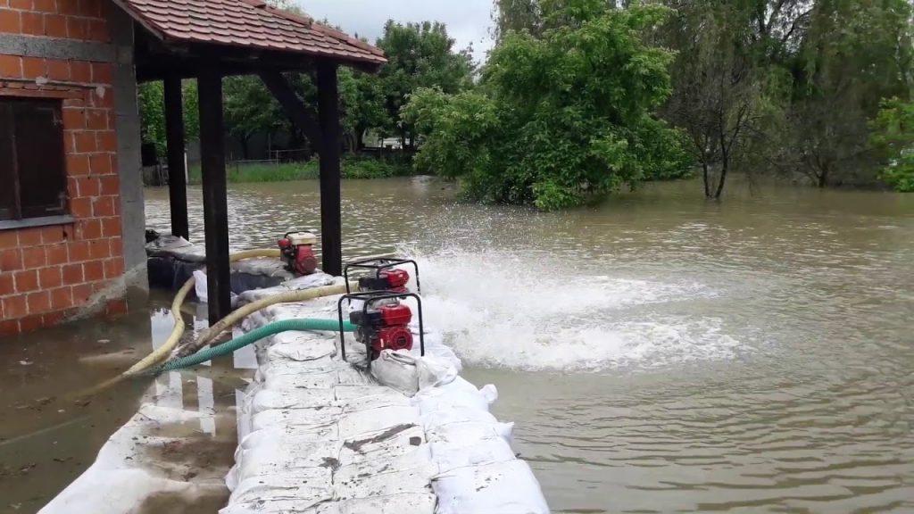 Големи поплави во Далмација, Трогир и Каштели под вода